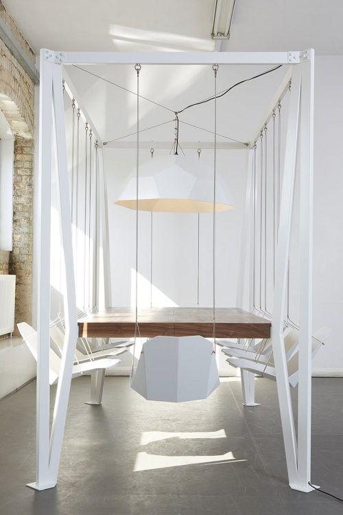 Дизайнеры лондонской студии Duffy London разработали и выпустили совершенно уникальный подвесной стол и стулья