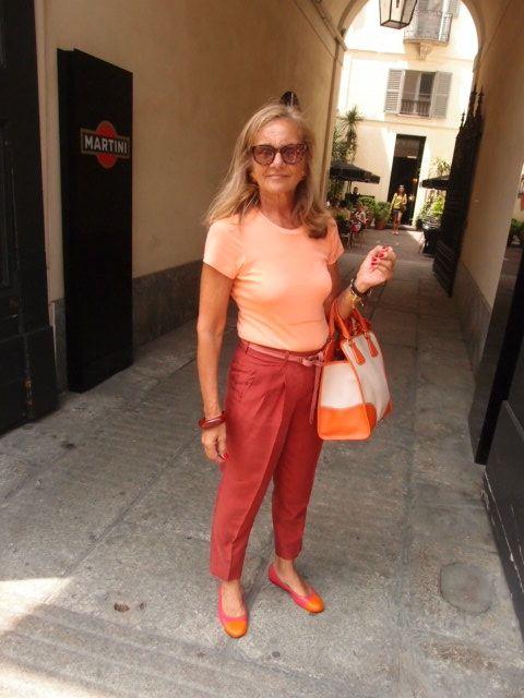 ミラノの高級ファッションストリートVia Della Spiga Fashion Flight: Milan Style: Bright color, Big glasses, and sexy skin