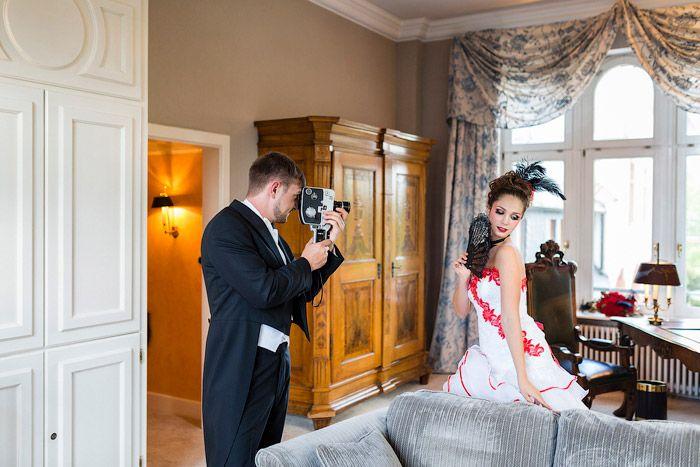 Christina & Eduard Photography: Pariser Hochzeit - inspiriert von Moulin Rouge #Christin_Eduard_Photography #Variete_Theater #Moulin_Rouge #Hochzeit #Inspiration #Rot_Schwarz