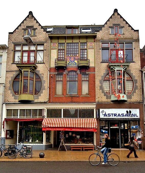 Jugendstil, Oude Ebbingestraat    Copyright (c) 2005-2008, Jan Koster, Haren, The Netherlands