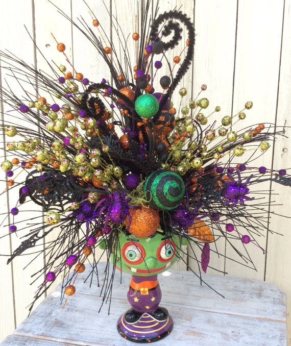 Lovely Halloween Centerpiece for the hall, mantle or dinging table - halloween centerpiece
