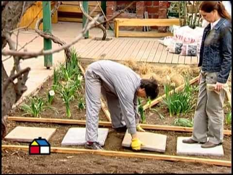 C mo hacer un jard n con colores y texturas en el suelo for Casetas de jardin con suelo