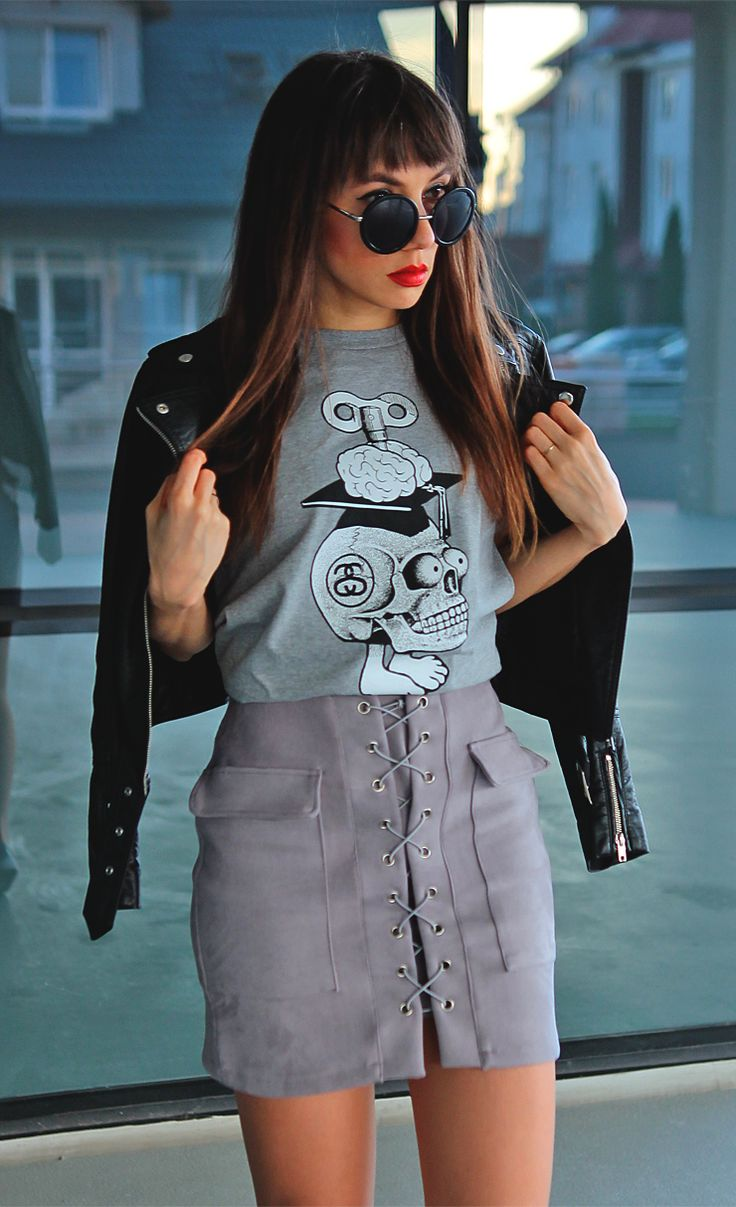 Stussy tee, lace up skirt and biker jacket, more:  http://jointyicroissanty.blogspot.com/2017/04/skull-tee.html