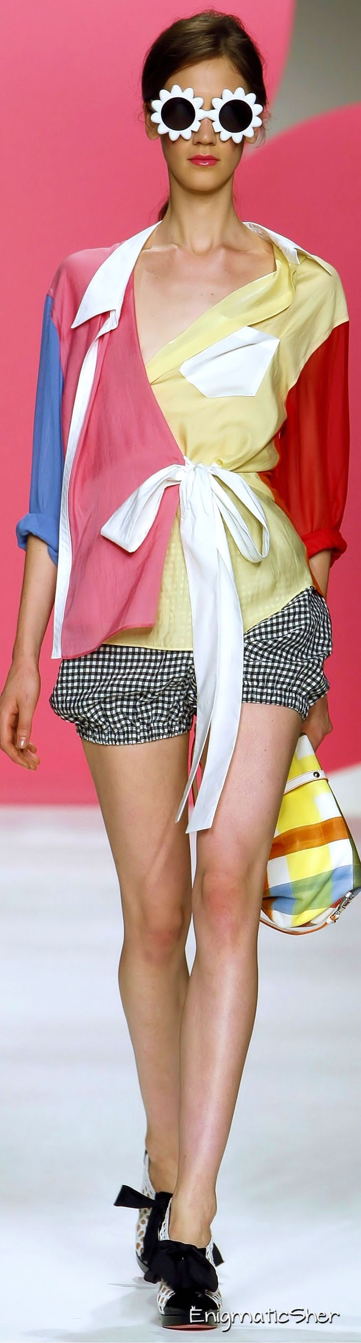 Moschino Cheap & Chic Spring Summer 2010 Ready-To-Wear
