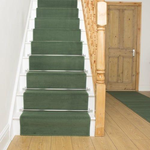 Best Plain L Green Stair Runner In 2020 Carpet Stairs 400 x 300