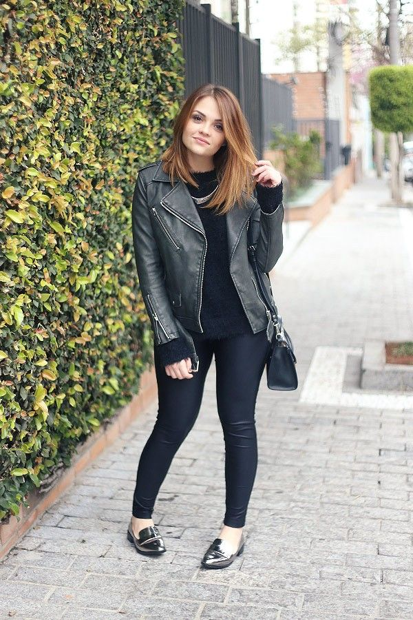 Karol Pinheiro » Look da Ka: total black e sapato metalizado