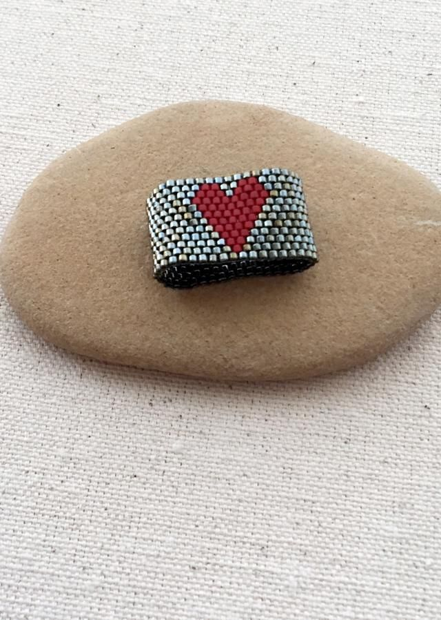 Wear Your Heart on Your Finger! Beaded Ring DIY: Peyote Stitch Ring Free Tutorial and Pattern