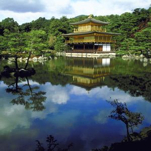 April 5-14: (10 days) Enjoy the beautiful temples in Japan