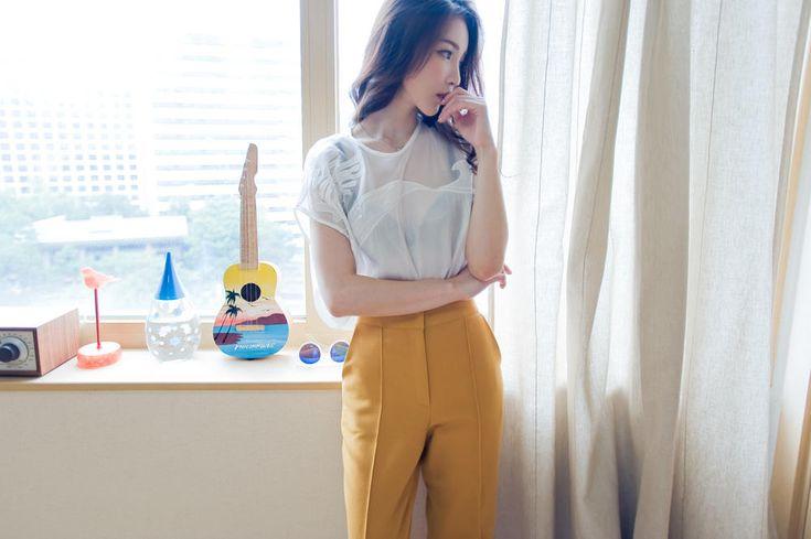 mesh cropped blouse from Kakuu Basic. Saved to Kakuu Basic Tees & Tops. Shop more products from Kakuu Basic on Wanelo.