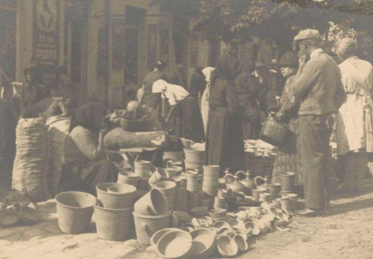 A pécsi Kossuth téri piac az 1930-as években.