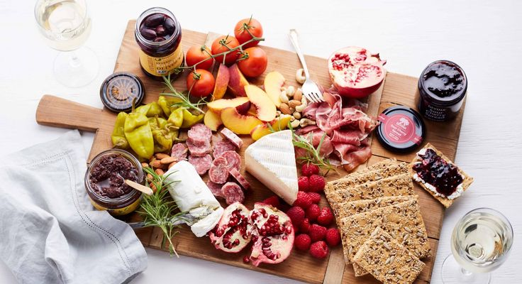 The 5 Key Components of the Ultimate Cheese Board - there's something so simple, so elegant, and so gourmet about a charcuterie and cheese board.