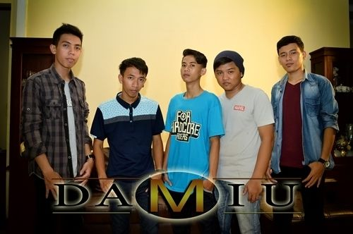 Check out DAMIU on ReverbNation
