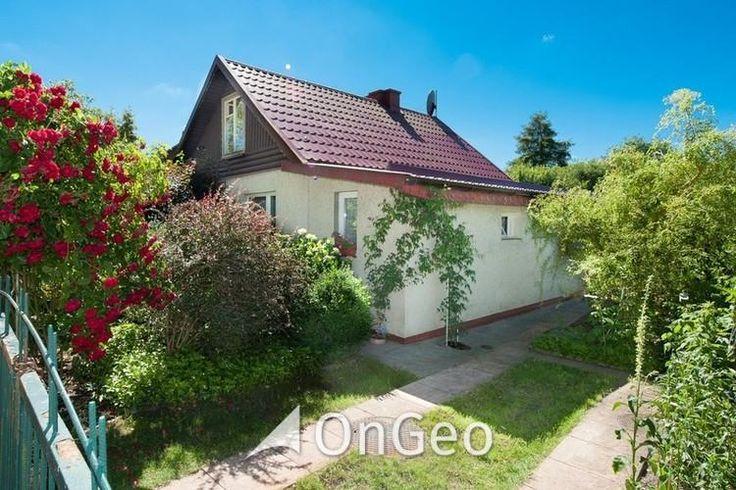 Dom na sprzedaż Dom na sprzedaż, Olsztyn Dom #letni, #wypoczynkowy. Idealne miejsce relaksu dla całej rodziny. Otoczony #ogrodami, #jezioro w bliskim sąsiedztwie. #domnasprzedaz #ongeo #domekletni #domnadjeziorem