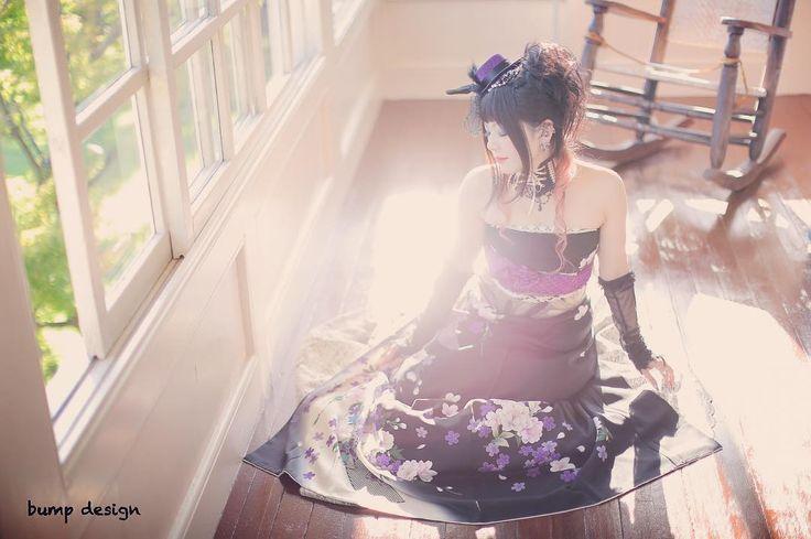 #オリエンタル和装  振袖なんだけどドレスでもある  なので座って撮るとドレスらしいラインも出て洋風の雰囲気にもバッチリ  お衣装に合わせて持ってきて頂いた小物たちも大活躍でした  #marry花嫁#ハナコレ#ウェディングニュース#プラコレ#marry花嫁図鑑#marry#farnyレポ#dressy花嫁#結婚#結婚式#結婚写真#ig_wedding#東京カメラ部#みんなのウェディング#白無垢#ナチュラルウェディング#チェリフォト#alolea#前撮り#ロケーション前撮り#結婚式カメラマン#ブライダルカメラマン#結婚式準備#花嫁準備#プレ花嫁#プロポーズ#バンプデザイン#イトウスグル#日本中のプレ花嫁さんと繋がりたい