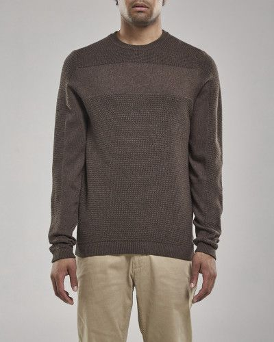 Henrik is a knitted cotton crew neck style. It is knit in a waffle stitch with a plain knit sleeve and chest panel.   Christian is 184 cm / 6'0 and is wearing a size M 100% Cotton