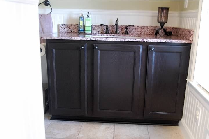 Updating oak cabinets with espresso gel stain from general finishes makin 39 christopher lowell for How to stain a bathroom vanity