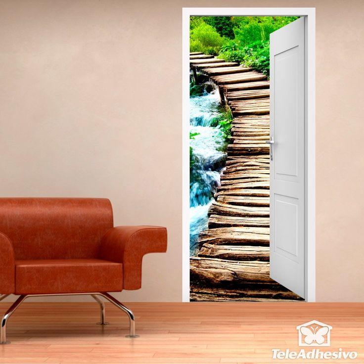 Vinilo decorativo puerta abierta a puente de madera