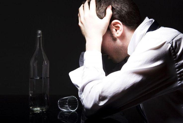 http://proalkogolizm.ru/alkogolniy-psihoz/  Алкогольный психоз