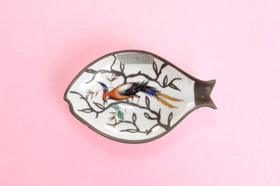Cenicero vintage de porcelana decorado en forma de por Brocantebcn #vintageashtrays