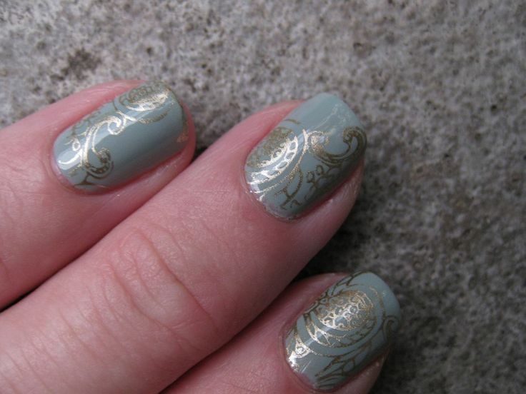 Essie - Maximillian Strasse Her, stamped with China Glaze -  Passion and MoYou London stamping plate Pro 06XL
