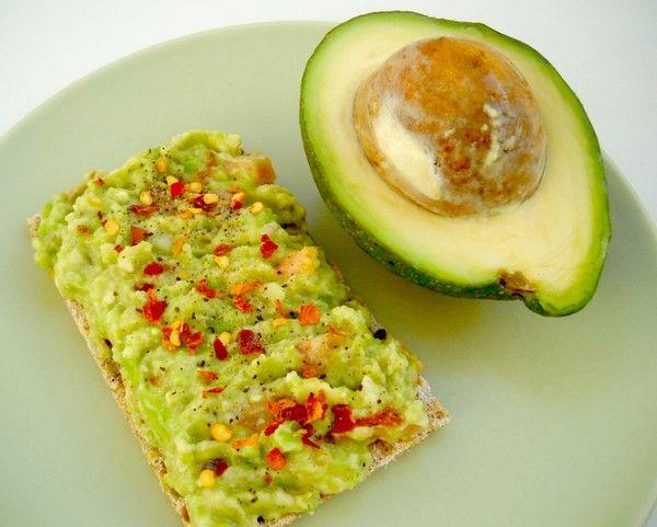 4 idei pentru un mic dejun delicios si sanatos cu avocado