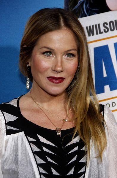 Christina Applegates long, blonde hairstyle