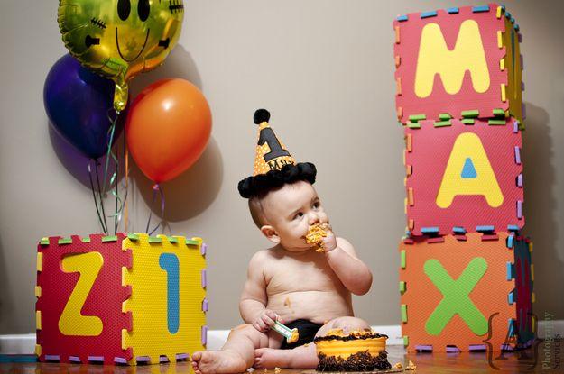 Destrozando el pastel | 29 fotos que todo padre debe tener de su bebé