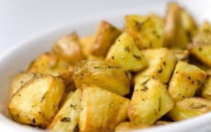 Patate al microonde - Le patate al microonde si possono fare in tanti modi, si possono cucinare come se fossero bollite oppure fare delle vere e proprie patate al forno come quelle classiche che però sono pronte in soli 16 minuti!