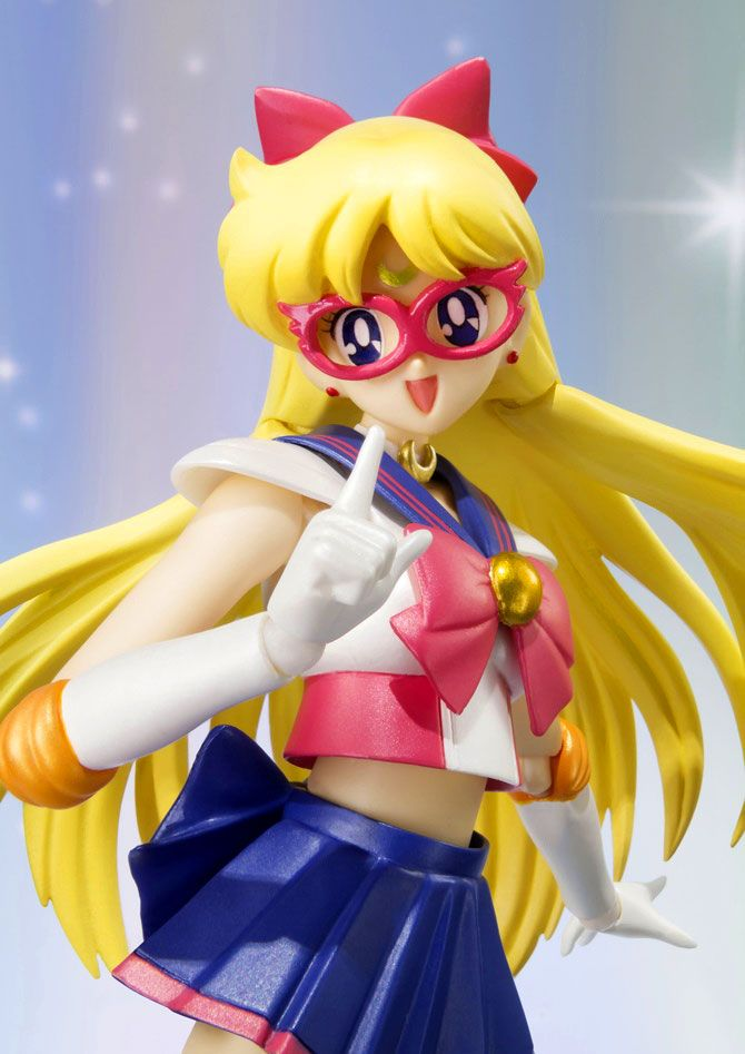 Official Sailor V Tamashii Nations SH Figuarts figure! More images and shopping links here http://www.moonkitty.net/buy-bandai-tamashii-nations-sailor-moon-sh-figuruarts-figures-models.php