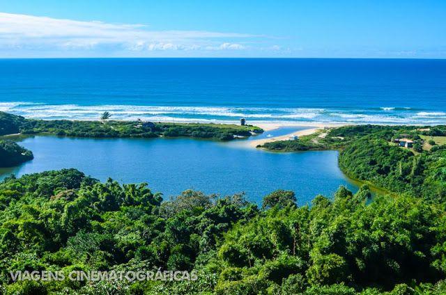 Paraíso dos surfistas e com um clima hippie-chic, a Praia do Rosa é pra quem curte uma praia charmosa e com muita gente bonita. Confira essas e outras praias no nosso ranking das melhores praias de Santa Catarina