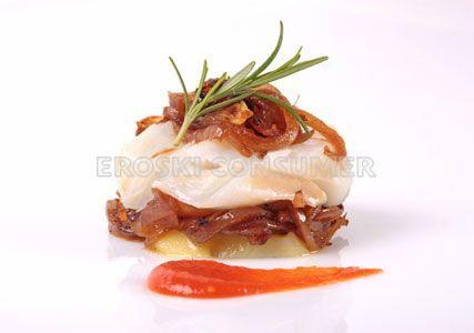 Receta de milhojas de bacalao y patata confitada | EROSKI CONSUMER