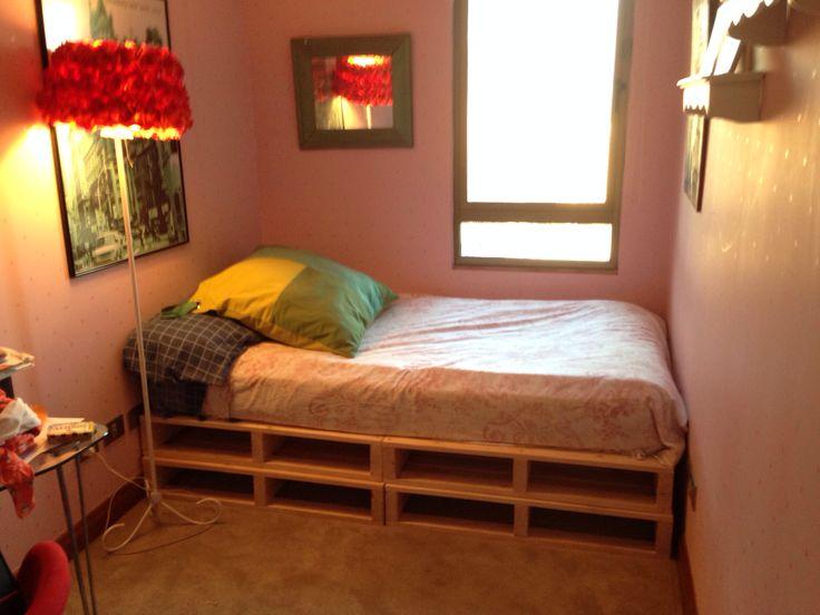 Cama con palets para la casa pinterest pallet crates for Cama con palets