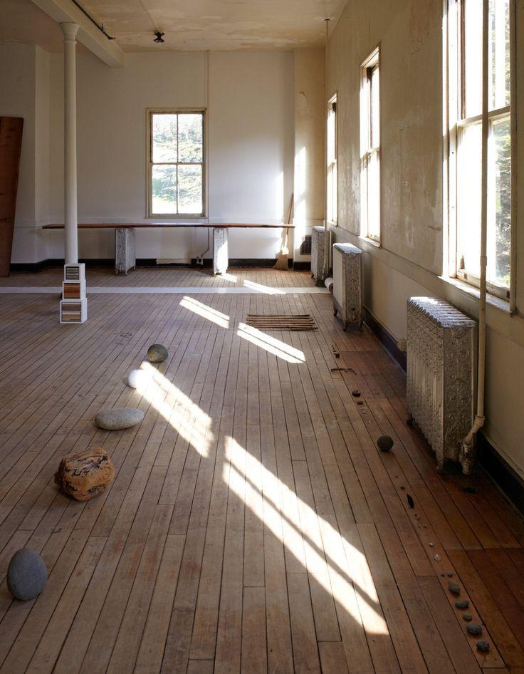 leslie williamson photographs jesse schlesinger's studio.
