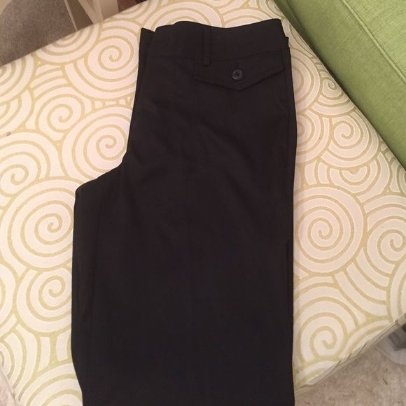 BeautifulIzod Golf pants! Excellent condition, size 2 stretch golf pants. 100% polyester & completely washable! Beautiful!! IZOD Pants