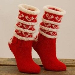 Røde julesokker - strikkepakke fra Hillesvåg.