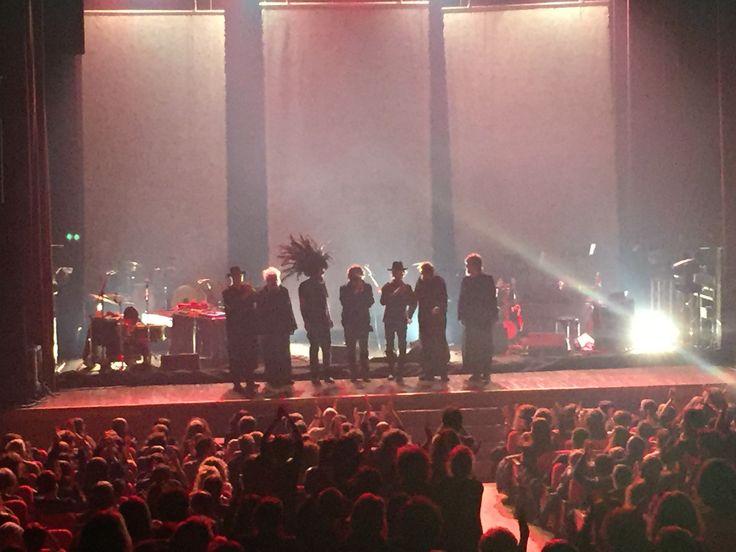 Tra le #ombre ipnotiche e le diavolerie del camaleontico VINICIO CAPOSSELA nell'anteprima nazionale del nuovo tour Ombre. Grande successo a Cascina La Città del Teatro