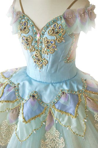 Pale blue/green #tutu I adore the materials and colour combination on this costume