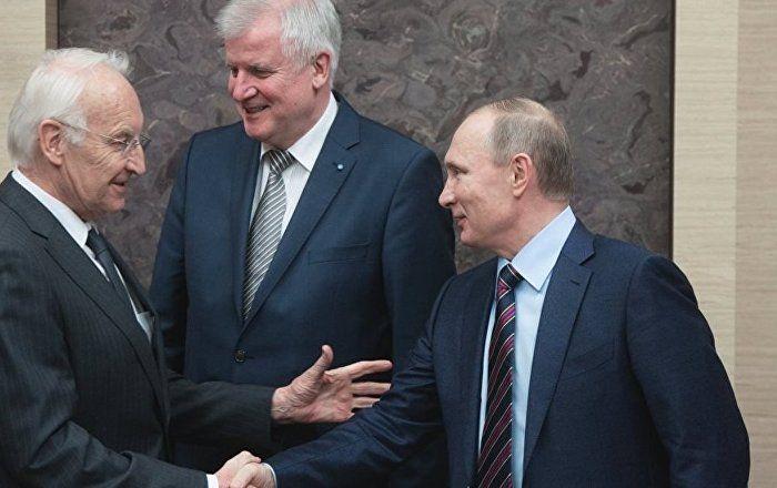 Sputnik Türkiye ///  Bavyera Eski Başbakanı Stoiber: Putin'den bunları daha önce hiç duymamıştım