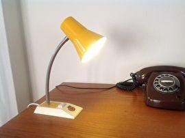 Geel vintage bureau / wandlampje.