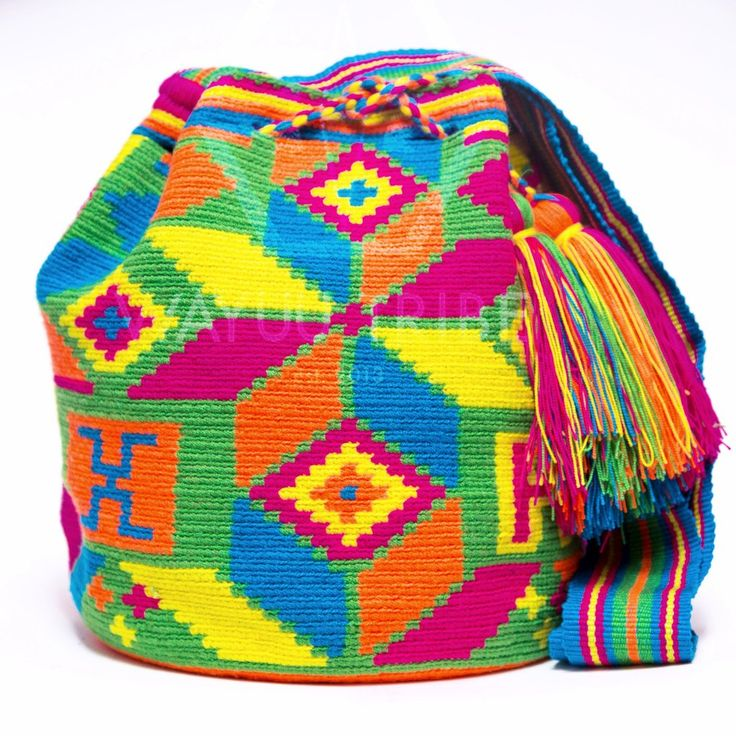 15% Wayuu Mochila Bag - Woven One Thread. Quick Ship Anywhere, and International! $157.25 #wayuubags www.wayuutribe.com