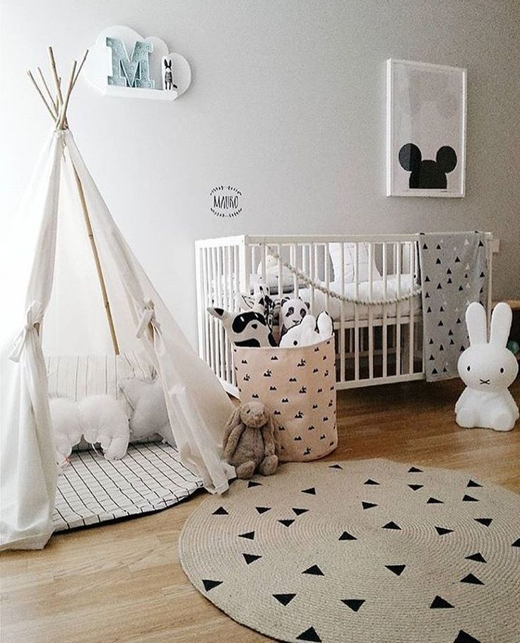 I really like this super cute kid's room! You can find Miffy lamp and Ferm Living storage bag in our shop, link in bio. Beautiful image by @teoyolivia