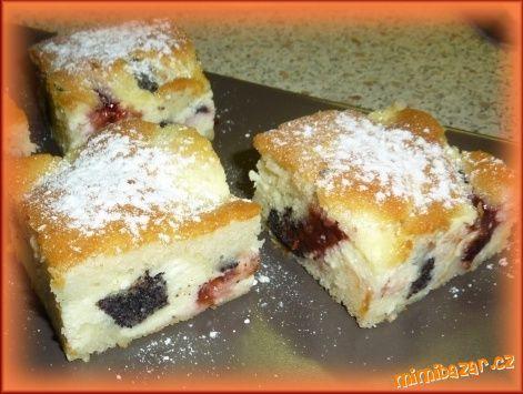 Neměla jsem čas ani chuť péct klasické koláčky, tak jsem vyzkoušela recept od kamarádky na rychlý mo...