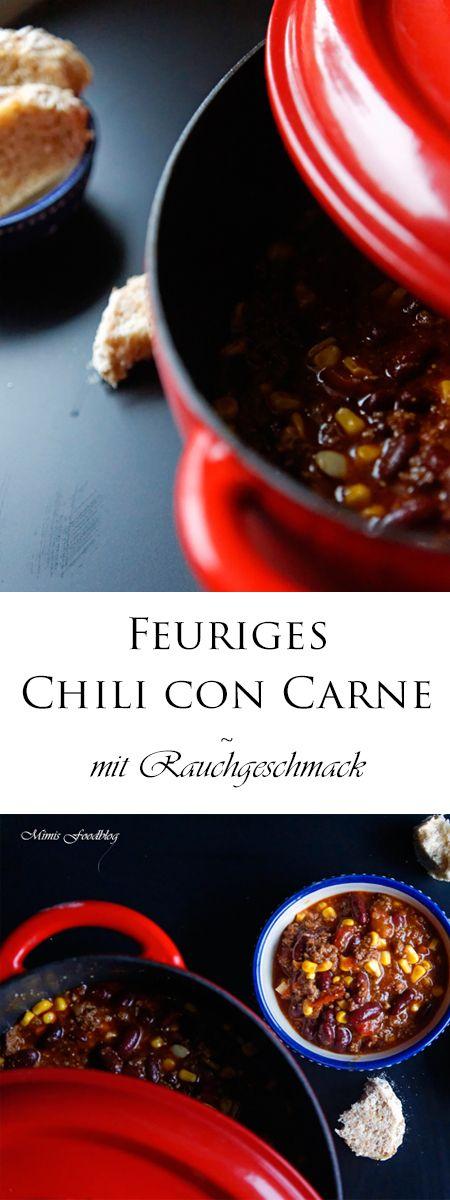 Chili con Carne mit Rauchnote ist ein würziges, frisches und selbst gemachtes Chili. Ganz ohne Tütchen, sondern nur mit Gewürzen abgeschmeckt.