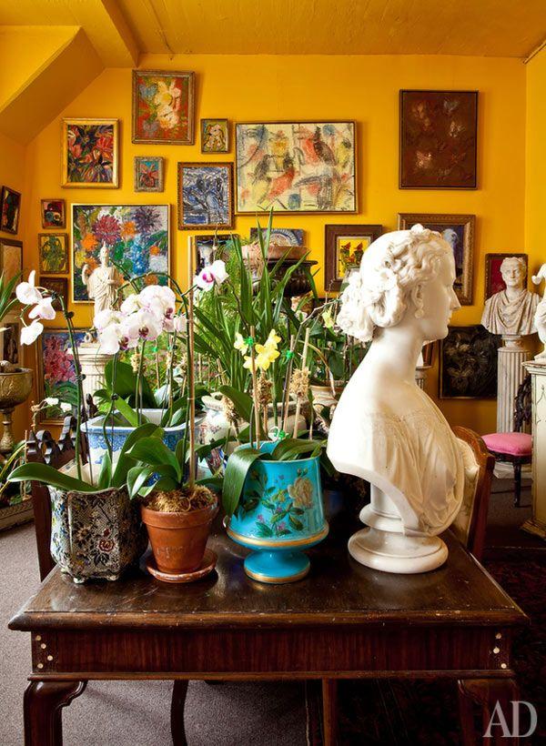 Гипсовые бюсты и скульптуры в интерьере творческих людей