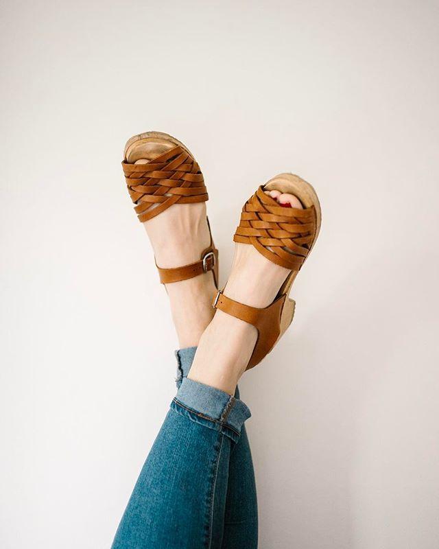 Lotta's tan braided clogs