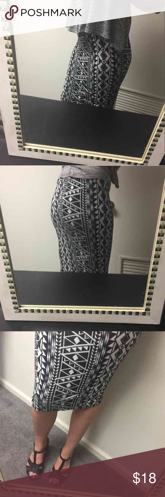 Flattering💜Tribal print bodycon Midi skirt NWOT Gorgeous skirt- lightweight yet super flattering-1 inch of elastic waistband. It goes with everything and can be worn day or night! 95% cotton 5% spandex **LISTED AS XS Because it's stretchy but juniors sizing******* fits like an xs also at the waist festival #concert #tumblr #summer PacSun Skirts Midi