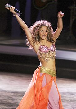 trajes de danza arabe de shakira - Buscar con Google