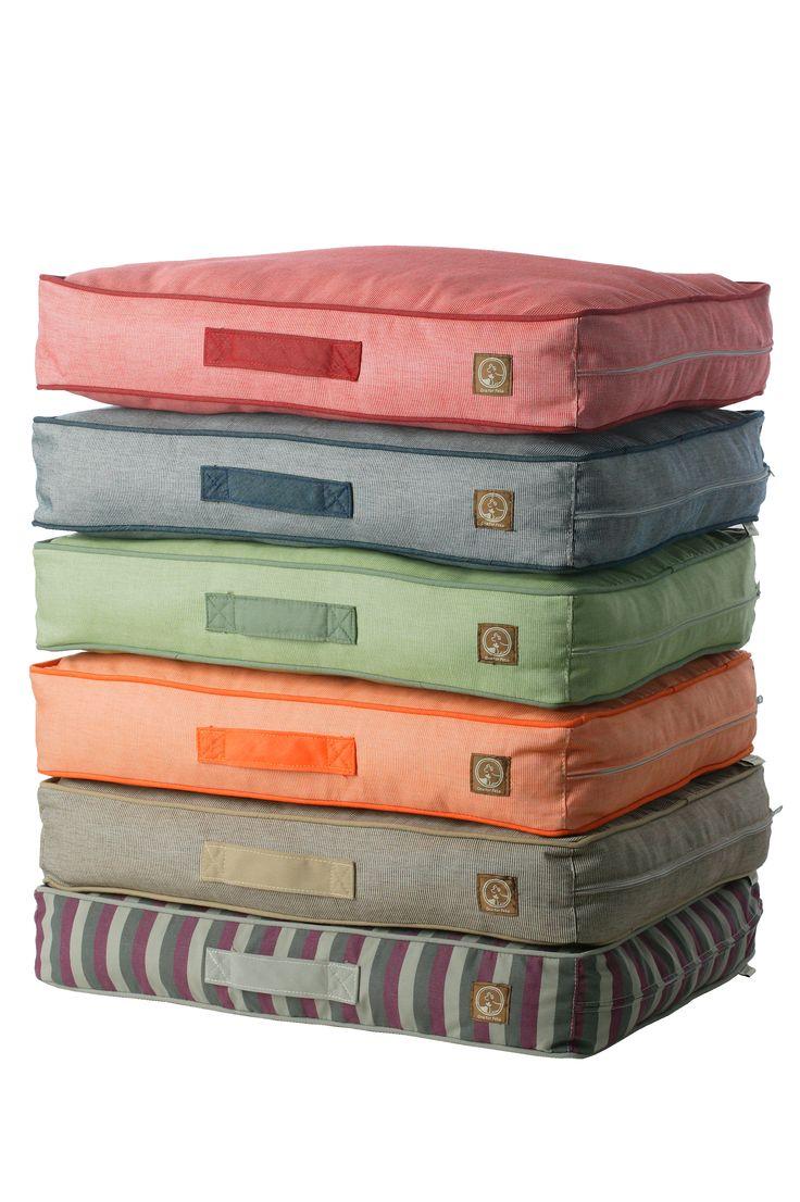 Siesta Indoor/Outdoor Pillow Beds Fun and Vibrant Indoor/Outdoor Beds Will Bring Your Living-room Comfort to the Great Outdoors. (Water Repellent, UV-resistant & Machine Washable)