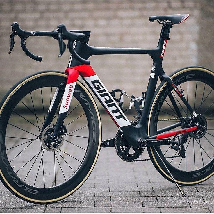 "Loves road bikes on Instagram: "" Giant Propel @woutervdbroeck #lovesroadbikes #giantpropel #shimano #duraace #giantbikes"""