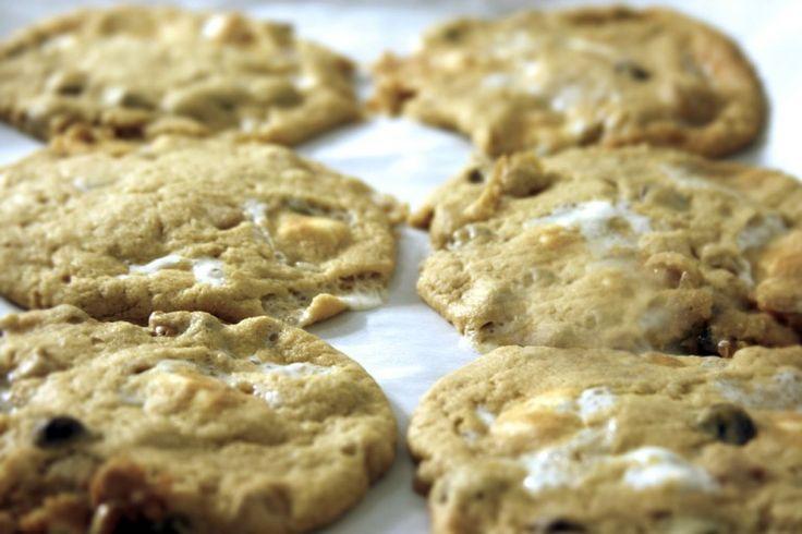 Ooey Gooey Marshmallow Cookies